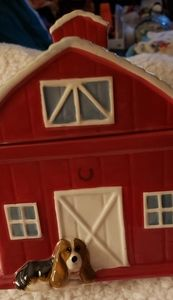 Pioneer Woman barn cookie jar!